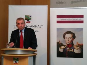 Generalleutnant Wolfgang Wosolsobe, Generaldirektor des Militärstabs der EU, bei seinem Impulsvortrag zu sicherheitspolitischen und strategischen Lösungsansätzen der EU