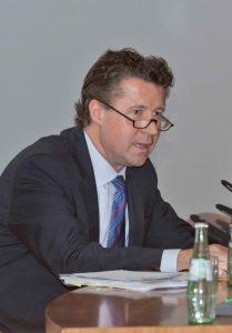 Dr. Geza Andreas von Geyer, BMVg AbtLtr Politik